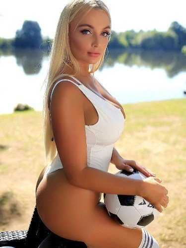 Teen Escort Adriana in Ankara, Turkey - Photo: 3