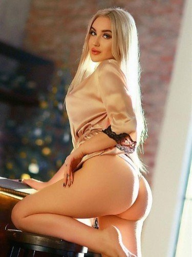Teen Escort Cherry in Moscow, Russia - Photo: 5