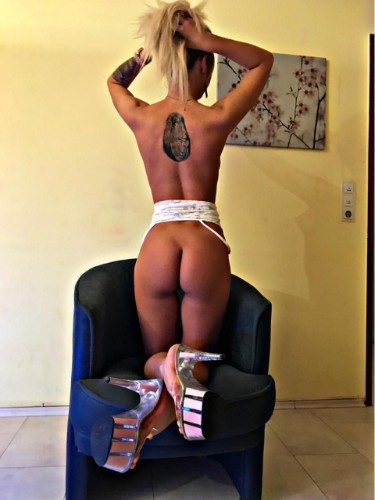 Teen Escort Anabell in Limassol, Cyprus - Photo: 4