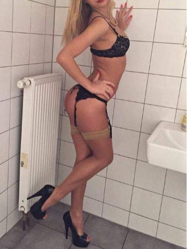 Teen Escort Anabell in Limassol, Cyprus - Photo: 7