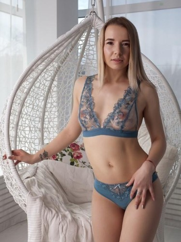 Teen Escort Ester in Moscow, Russia - Photo: 5