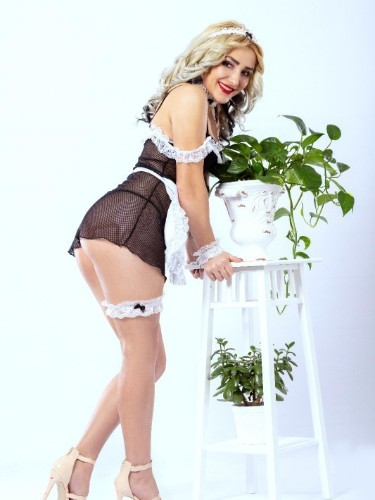 Teen Escort Giulia in Limassol, Cyprus - Photo: 3