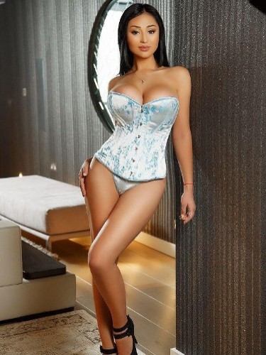 Teen Escort Ella in Prague, Czech Republic - Photo: 3