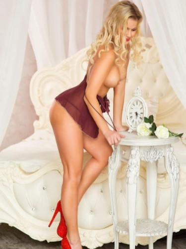 Escort Alexia in Nicosia, Cyprus - Photo: 4