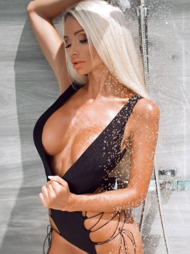 Teen Escort Anna in St Petersburg, Russia - Photo: 5
