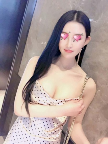 Fetish Teen Escort Anna in Macao, Macao - Photo: 4