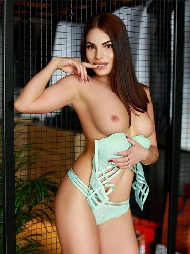 Teen Escort Elyse in Moscow, Russia - Photo: 7