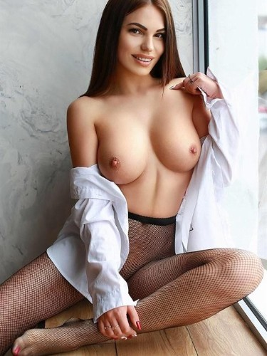 Teen Escort Elyse in Moscow, Russia - Photo: 6
