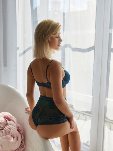 Teen Escort Arina in Moscow, Russia - Photo: 5