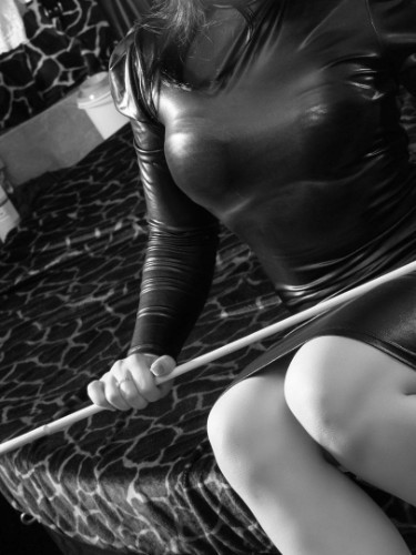 Fetish Mistress Escort Mistress Isabella in The Hague, Netherlands - Photo: 3