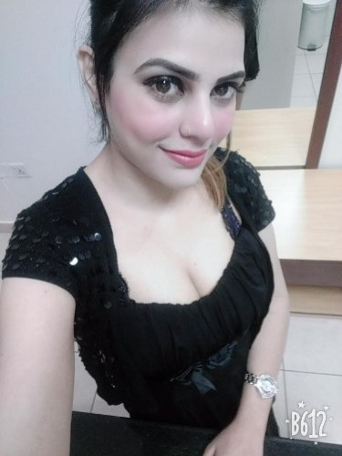 Fetish Teen Escort Miss Meera in Dubai, United Arab Emirates - Photo: 4