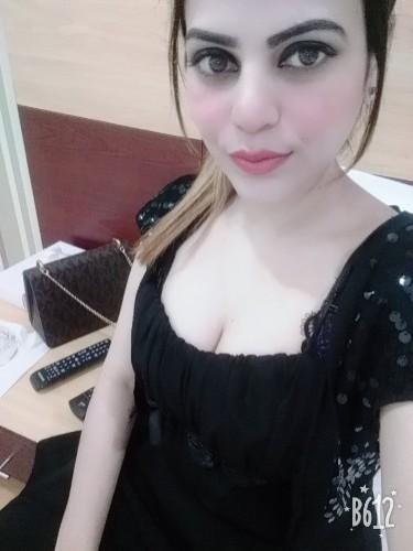 Fetish Teen Escort Miss Meera in Dubai, United Arab Emirates - Photo: 5