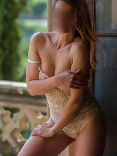 Escort Carla Tantra in Luxembourg, Luxembourg - Photo: 2