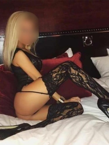 Teen Escort Arianna in Bucharest, Romania - Photo: 4