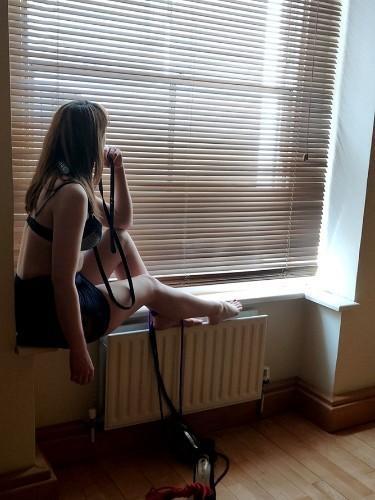 Fetish Teen Escort Angela in London, United Kingdom - Photo: 4