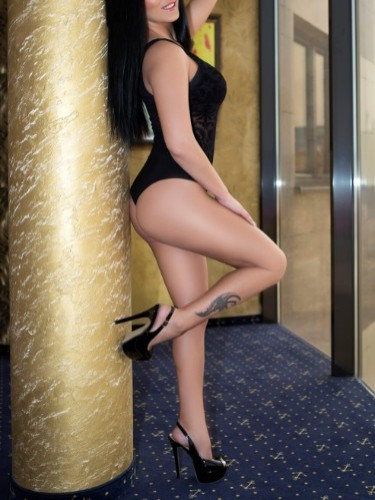 Escort Mia in Vienna, Austria - Photo: 3