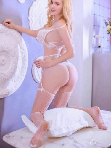 Teen Escort Anna in Dubai, United Arab Emirates - Photo: 4