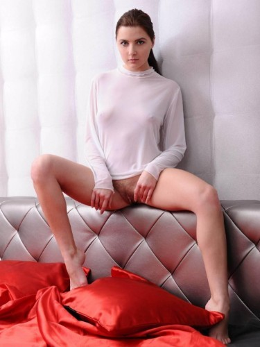 Teen Escort Mila in St Petersburg, Russia - Photo: 3