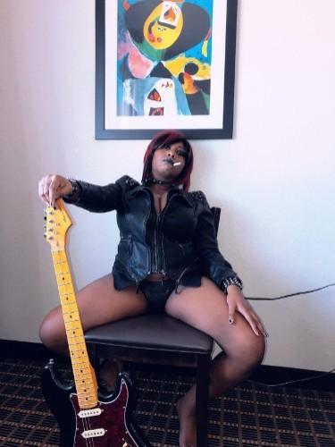 Fetish Teen Escort Brenda Renee in Miami, United States - Photo: 2