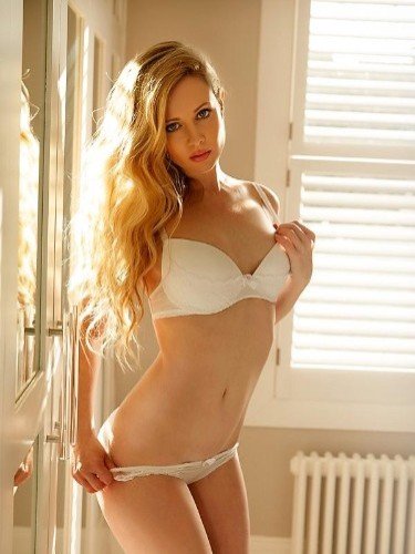 Escort Carly in Amsterdam, Netherlands - Photo: 1