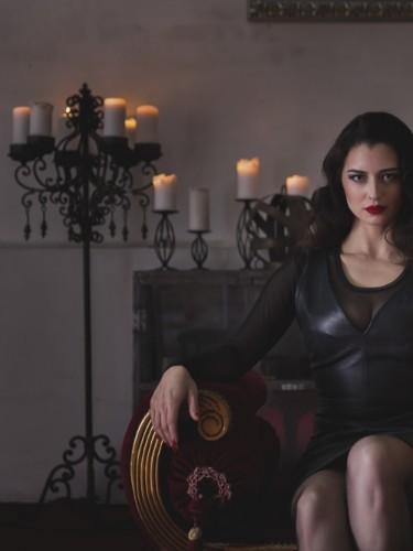 Escort Mistress Bella Lugosi in Berlin, Germany - Photo: 5