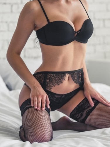 Teen Escort Natalie in Prague, Czech Republic - Photo: 3