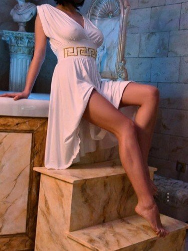 Teen Escort Cleopatra in Athens, Greece - Photo: 5
