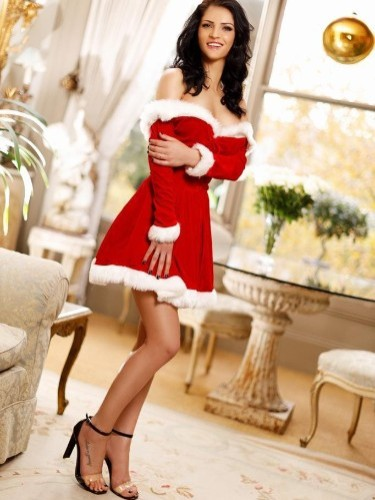 Teen Escort Aure in London, United Kingdom - Photo: 6