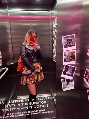 Teen Escort Barbie in Vienna, Austria - Photo: 6