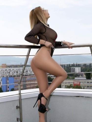 Teen Escort Barbie in Vienna, Austria - Photo: 4