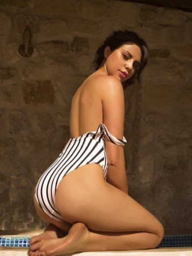 Teen Escort Alexandra in Istanbul, Turkey - Photo: 3
