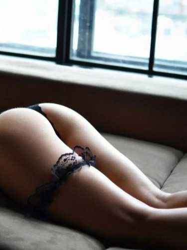 Teen Escort Elena Vip in Istanbul, Turkey - Photo: 4