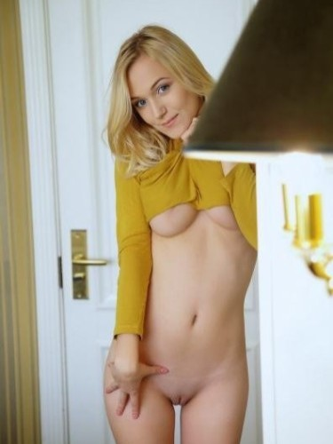 Teen Escort Dolly in Amsterdam, Nederland - Foto: 6