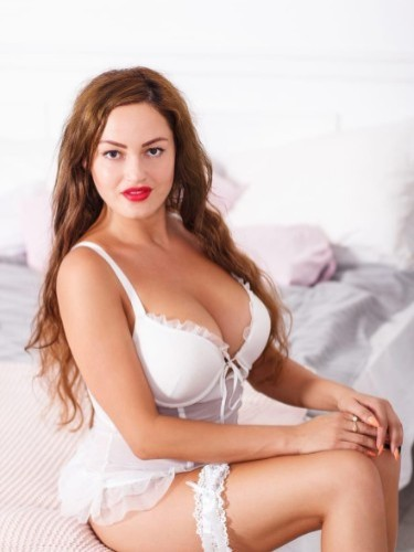 Teen Escort Alisa in Nicosia, Cyprus - Photo: 4