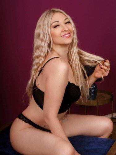 Escort Alona Hot Babe in Athens, Greece - Photo: 6