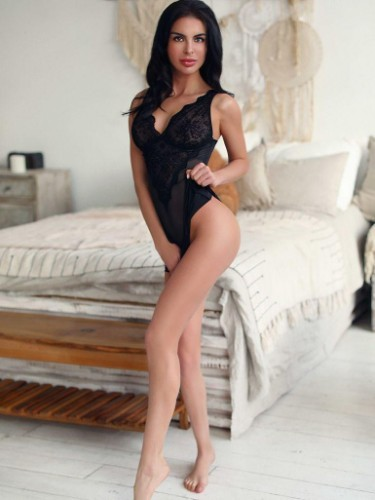 Teen Escort Emma in Athens, Greece - Photo: 7