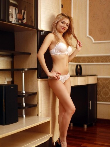 Teen Escort Elena in St Petersburg, Russia - Photo: 1