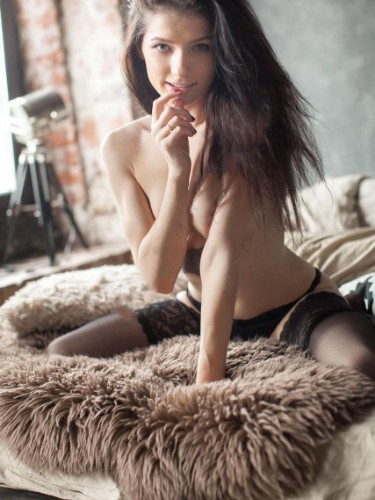 Teen Escort Emily in Istanbul, Turkey - Photo: 1