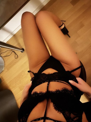 Teen Escort Ambeer in Zurich, Switzerland - Photo: 3