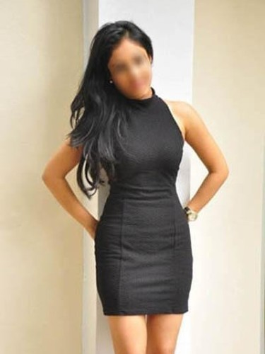 Teen Escort Anupriya Basu in Mumbai, India - Photo: 4