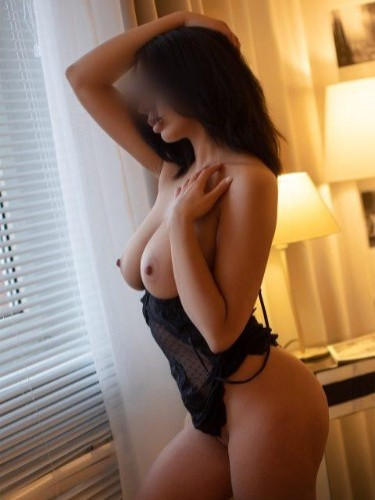 Elite Escort Agency Escort Deluxe in Dusseldorf - Photo: 7 - Yasmin