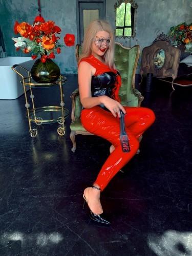 Fetish Escort Mistress Helene Nuar in Dubai, United Arab Emirates - Photo: 2
