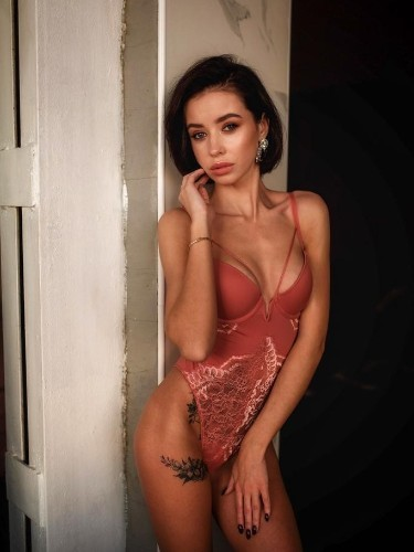 Elite Escort Agency Michelle Models in Istanbul - Photo: 2 - Karolina