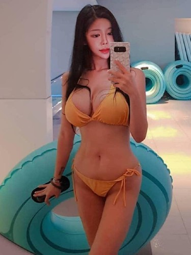 Teen Escort Sandy in Shanghai, China - Photo: 5