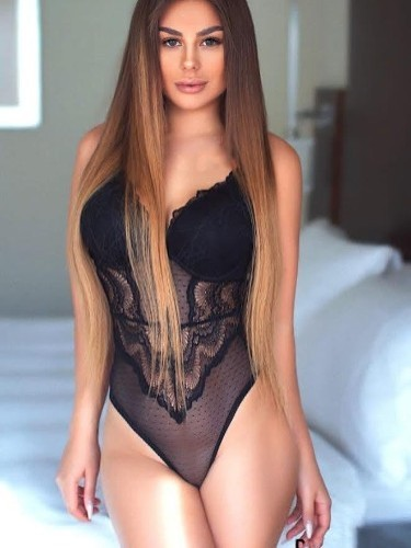 Teen Escort Mila in Istanbul, Turkey - Photo: 3