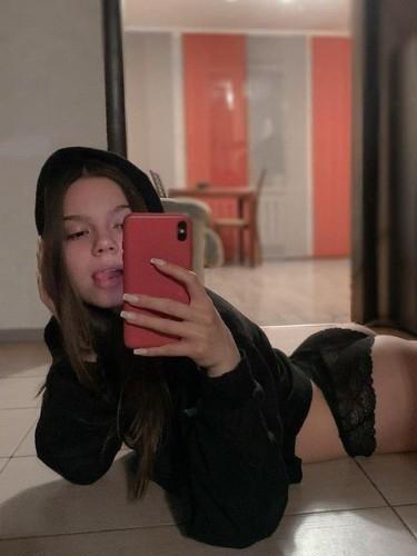 Fetish Teen Escort Caroleblanche in Geneva, Switzerland - Photo: 3