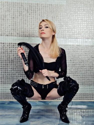 Fetish Mistress Escort QueenofBerlin in Timisoara, Romania - Photo: 4
