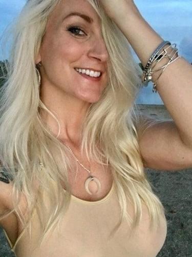 Fetish Teen Escort BlondeGirl in Zlin, Czech Republic - Photo: 4