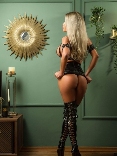 Fetish Mistress Escort Beatrice in Antwerp, Belgium - Photo: 6